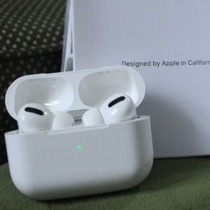 NWT Apple Airpods